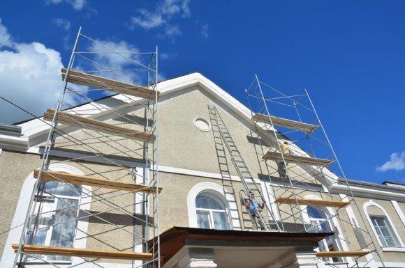 Entreprise de peinture pour la réalisation d'un ravalement de façade d'une maison
